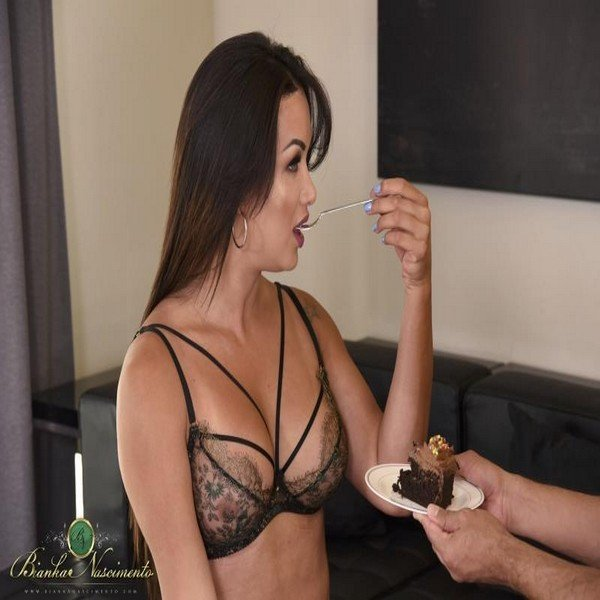 Bianka Nascimento - Eat My Cum Cake (2018) [HD] ( 2019 / 802.43 Mb)