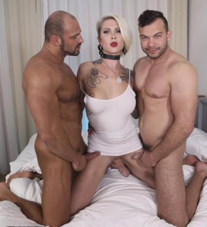 Danni Daniels - Hot Threesome (2018) [FullHD] ( 2019 / 1.67 Gb)