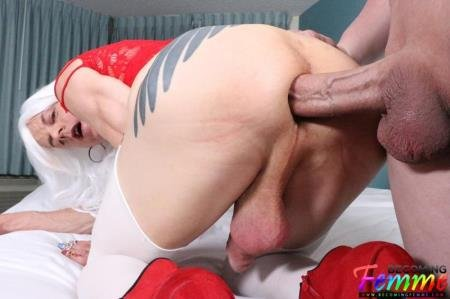 Tanya Nite - Big Dick Crossdresser Gets Fucked [FullHD] ( 2019 / 1.78 Gb)